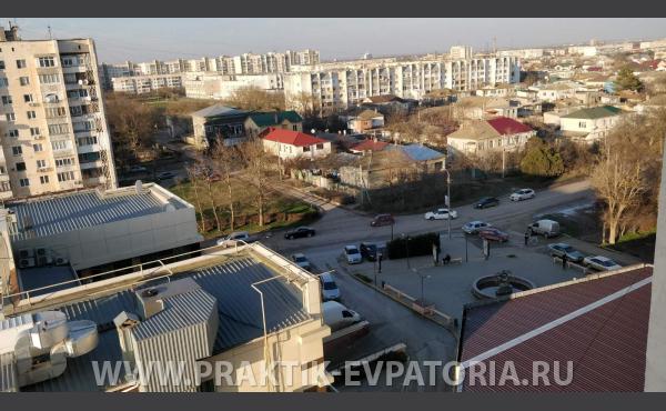 Продаю трехкомнатную квартиру 81 квм в новом доме в Евпатории.